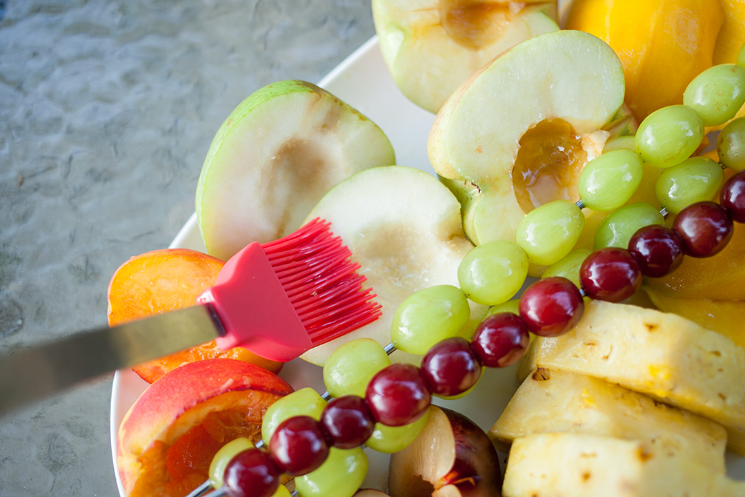 grilled_fruit_chaat_02_lightly_oil_fruit