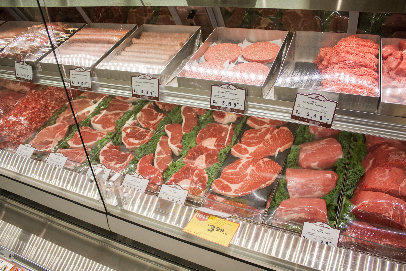 Pete S Fresh Market In Bridgeview Is A Halal Meat Shop Dream