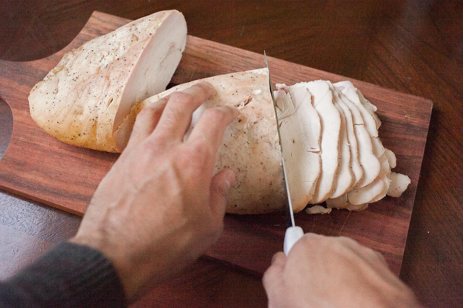 roast_turkey_breast_lunch_meat_04_carve_turkey